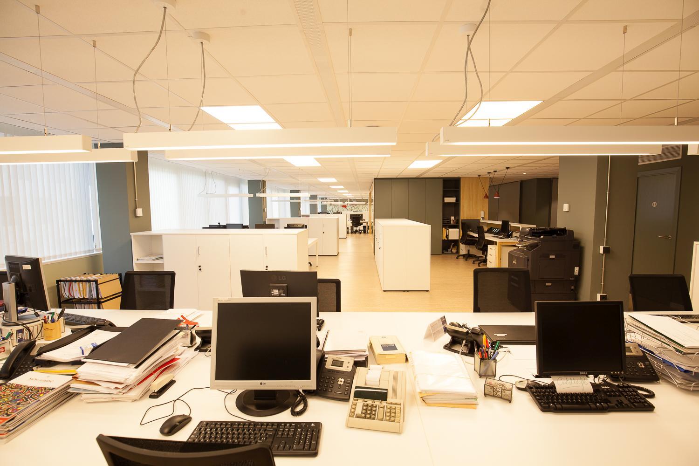 Interiorismo oficina interiorismo y arquitectura en - Estudios de arquitectura en barcelona ...